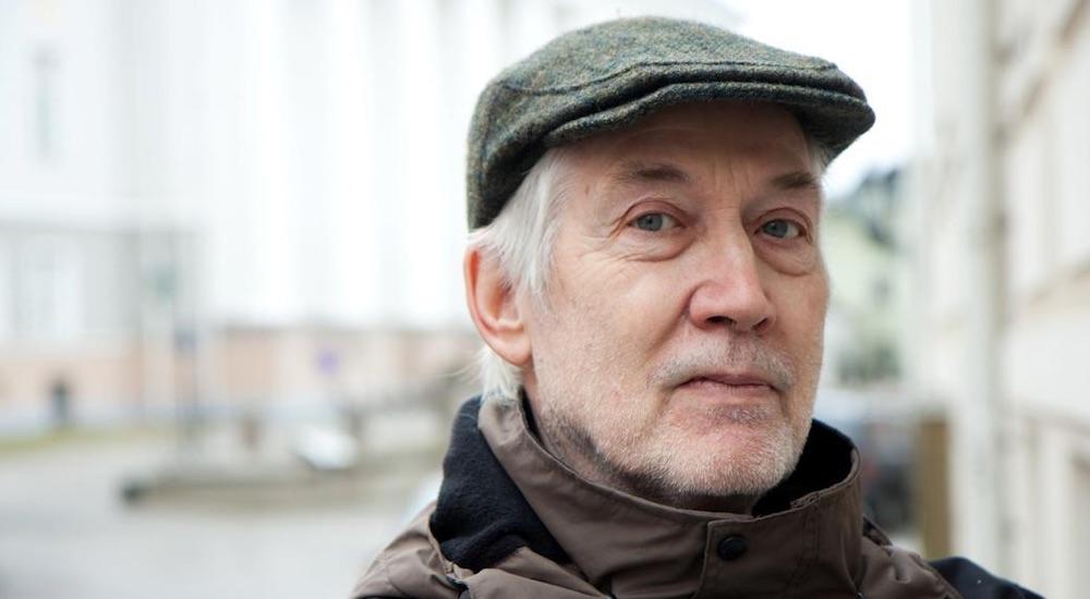 Le poète Jaan Kaplinski à Paris le 28 mai