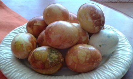 Œufs de Pâques colorés à l'estonienne